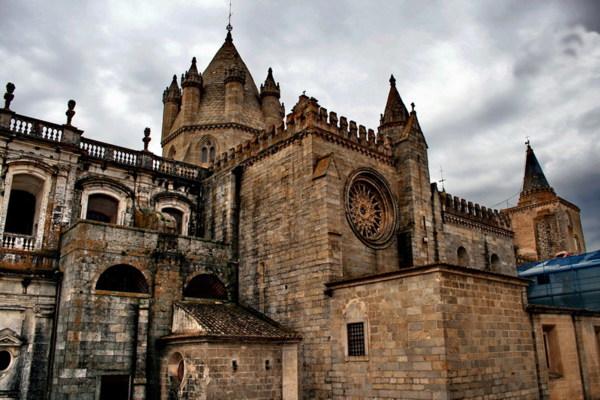 Basilica-Se-Catedral-de-Nossa-Senhora-da-Assuncao-Evora