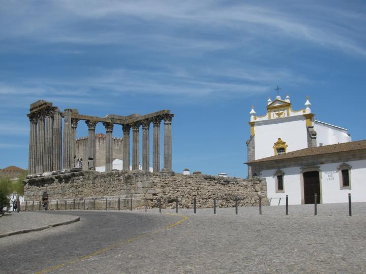 Templo_Romano_em_Évora
