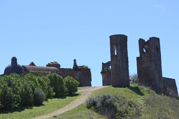 evora-Castelo_de_Montemor-o-Novo_1a.jpg