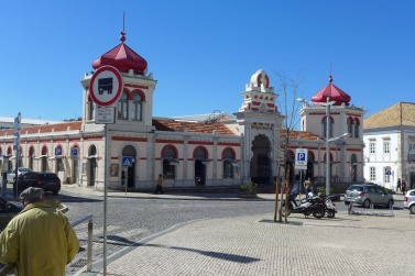 faro-loule-Mercado_Municipal_de_LoulÇ,_Algarve,_Portugal