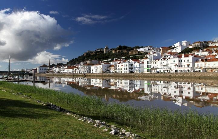 setubal-Castelo_de_Alcacer_do_Sal_-_Aguaceiros.jpg